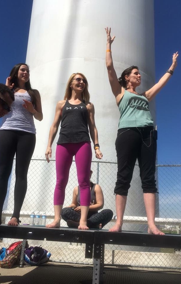 Yoga On The Bridge 2016 for DYC – over 1100 Dallas yogis